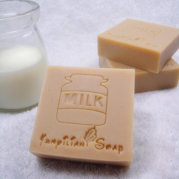 四倍牛奶润肤手工皂